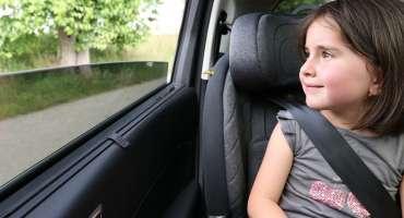 Comment s'installe le siège auto isofix ?