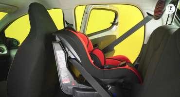 Comment installer un siège auto avec ceinture de sécurité ?